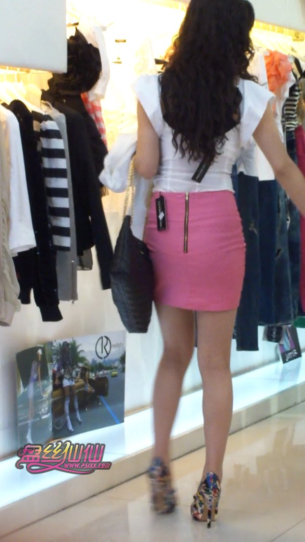 粉色包臀太勾魂了_粉色包臀裙智美熟女,试衣试鞋_盘丝仙仙 - 美丝街拍视频网